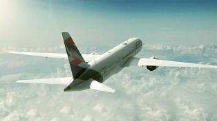Se inauguró la nueva ruta aérea que une Tucumán con Santiago de Chile