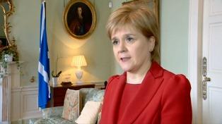 """Sturgeon calificó el llamado a elecciones como un """"enorme error de cálculo político"""""""