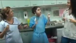 El baile de una fueguina trasplantada con su médica y su enfermera se volvió viral en las redes