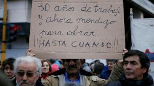 Miles de santacruceños se concentran en repudio a la represión policial