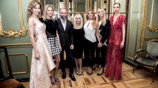 Acompañados por Claudia Villafañe y Carla Pereyra los diseñadores argentinos se lucieron en Madrid