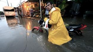 Evacuados, inundaciones y cortes de luz en al menos tres provincias del noreste a causa de las lluvias