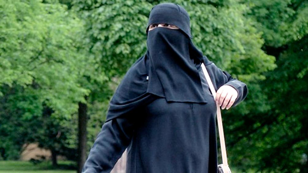 Un tribunal respalda la prohibición del velo islámico en las escuelas