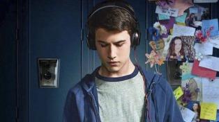 """Impacta y genera debate la serie """"Por 13 razones"""", en la que una adolescente se suicida"""