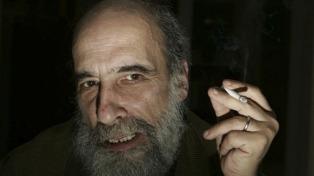 """Raúl Zurita: """"La poesía ha caído en un autismo que solo habla del yo, algo muy intrascendente"""""""
