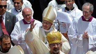 """Antes de finalizar su visita, Francisco convocó a musulmanes y cristianos a """"caminar juntos contra la violencia"""""""
