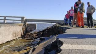 Cerraron la brecha en el puente de Lincoln y la ruta 188 sigue cortada