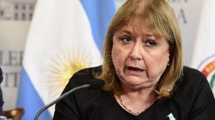 """Malvinas: Malcorra dijo que sigue """"de cerca"""" la iniciativa de isleños de imponer visado a los argentinos"""
