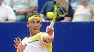 Nadal se retiró por precaución y Djokovic pasó a la final en Abu Dhabi