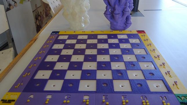 Cordobeses armaron un ajedrez para personas no videntes