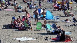 Mar del Plata amanece con sol radiante, anticipo de un día ideal para la playa