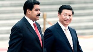 """Maduro dijo que acudió a China en busca de """"estabilidad económica"""""""