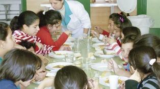 El gobierno bonaerense aumentó 30% los recursos destinados a los comedores escolares