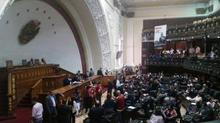 Juraron ante la Asamblea Nacional los 18 gobenadores chavistas y los cinco opositores se negaron