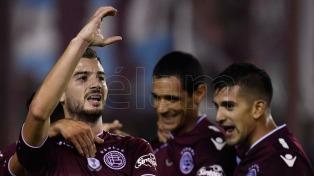 Lanús pesó de local y le ganó a Vélez