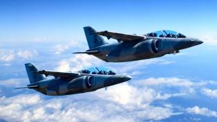 Dos Pampa interceptaron en vuelo a un avión ilegal, que escapó hacia Bolivia