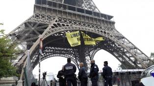 El Arco del Triunfo y otros monumentos también cerrarán en París por las protestas
