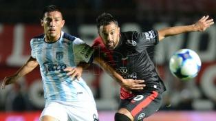 Colón igualó sobre la hora frente a Atlético Tucumán