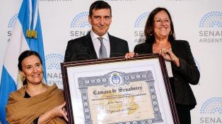 El Senado Nacional entregó su máxima distinción a Julio Bocca