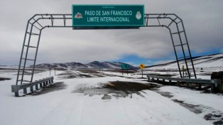 Cerraron el paso internacional San Francisco por fuertes nevadas en el lado chileno