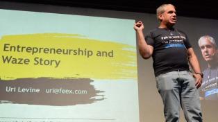 """La """"magia"""" de Waze es la participación activa de los usuarios, afirmó su creador"""