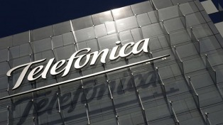 Hackearon la red interna de la central de Telefónica en Madrid