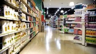 Proponen que se exhiban cinco marcas de un producto para combatir la suba de precios