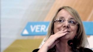 """La gobernadora Alicia Kirchner pidió """"paciencia"""" a los docentes"""