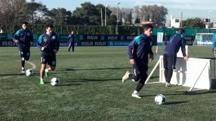 Acuña participó del ensayo de fútbol y regresaría a la titularidad ante Central