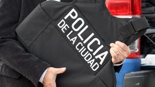 Allanan la comisaría 18a., encuentran US$ 50 mil y gran cantidad de pesos y separan al comisario