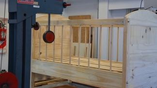 Pruebas sobre muebles. Foto: Prensa INTI