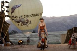 La mujer chamánica  de Dior