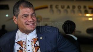 Correa, antes de intalarse en Bélgica, con elogios a su gestión y críticas a Moreno