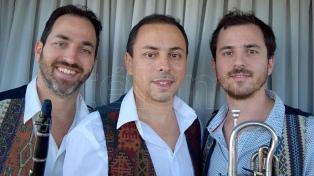 """Los """"Nuevos Aires Klezmer"""", encuentro de lo judío y el tango"""