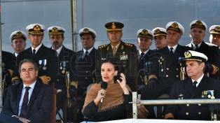 Michetti encabezó el acto en celebración del 203° aniversario del Día de la Armada