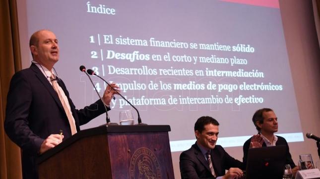 Sturzenegger ratificó que la inflación anual será del 17%