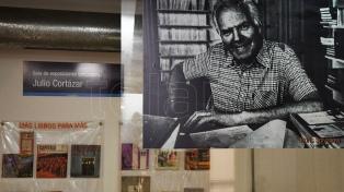 Una muestra recorre la intimidad del mítico Centro Editor de América Latina