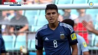 Argentina controló el partido, pero Inglaterra goleó de contra