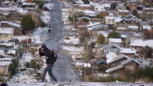 Una nevada sorprendió a los habitantes y turistas en pleno verano