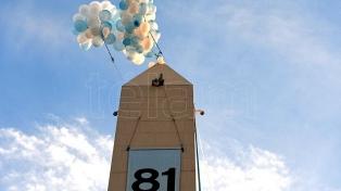 Ochenta y un porteños suben al Obelisco para celebrar un nuevo aniversario