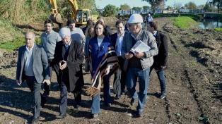 Vidal recorrió las obras de entubamiento del arroyo Tres Horquetas en San Fernando