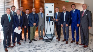 Invertirán U$S13 millones para instalar 220 postes de recarga de autos eléctricos