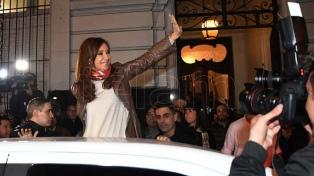 """Sin Cristina, pero con Máximo, los intendentes """"leales"""" confirman que la ex presidenta será candidata"""