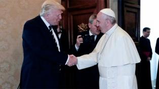 """Tras reunirse en el Vaticano, Francisco y Trump resaltaron la """"necesidad de paz"""""""