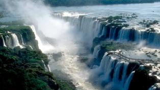 Los principales destinos turísticos esperan un buen fin de semana largo