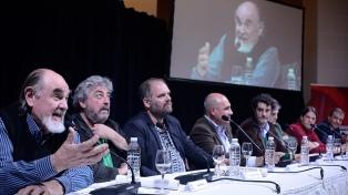 A diez años de su muerte, presentaron en Rosario una película tributo a Roberto Fontanarrosa