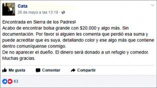 Encontró dinero en una bolsa y buscó por Facebook a la dueña para devolverlo