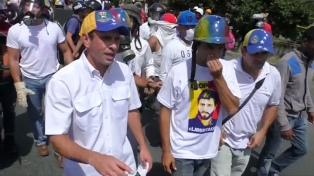 """Capriles dijo que las elecciones fueron un """"monumental fracaso"""" y aseguró que hubo 15 muertos"""