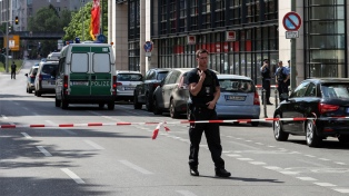 No descartan móvil terrorista en un secuestro en la estación de trenes de Colonia
