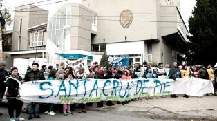 Estatales y jubilados santacruceños marchan a la Legislatura de Río Gallegos